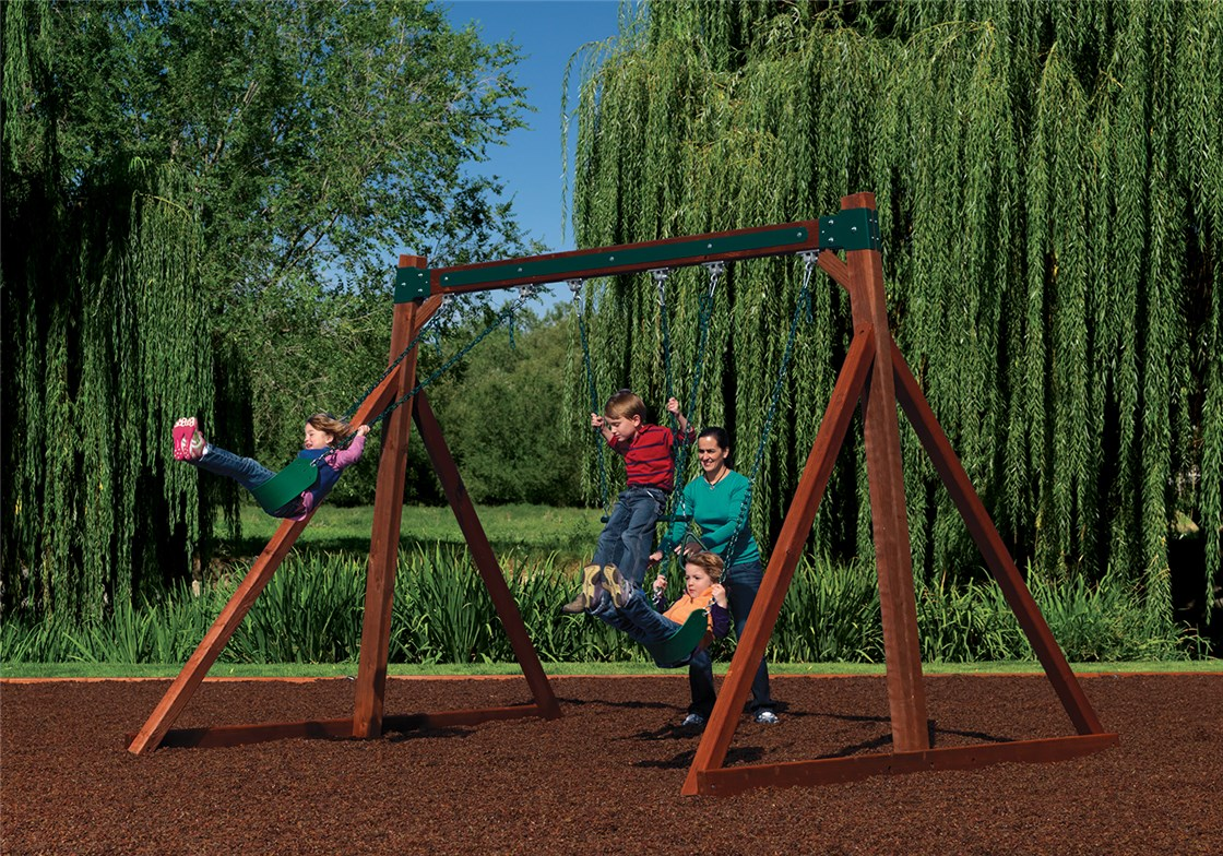 Free-Standing Swing Beam with Swings and Trapeze
